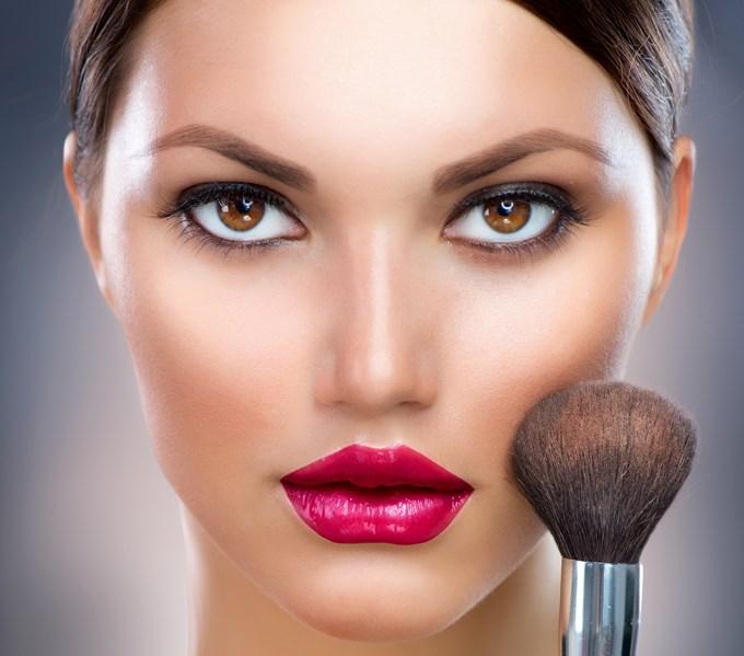 Maquillage sculptant